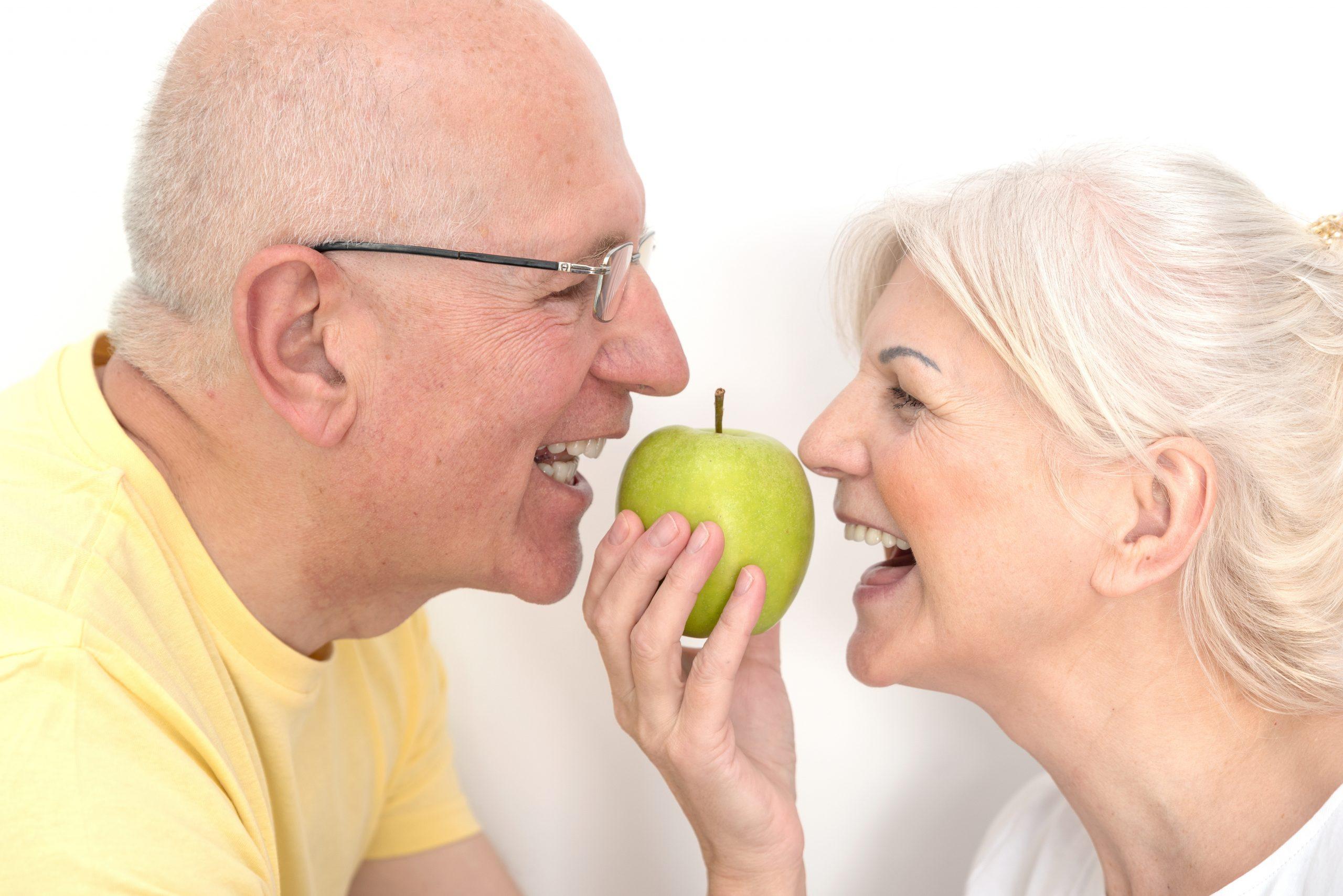 imagen de implantes dentales en linares