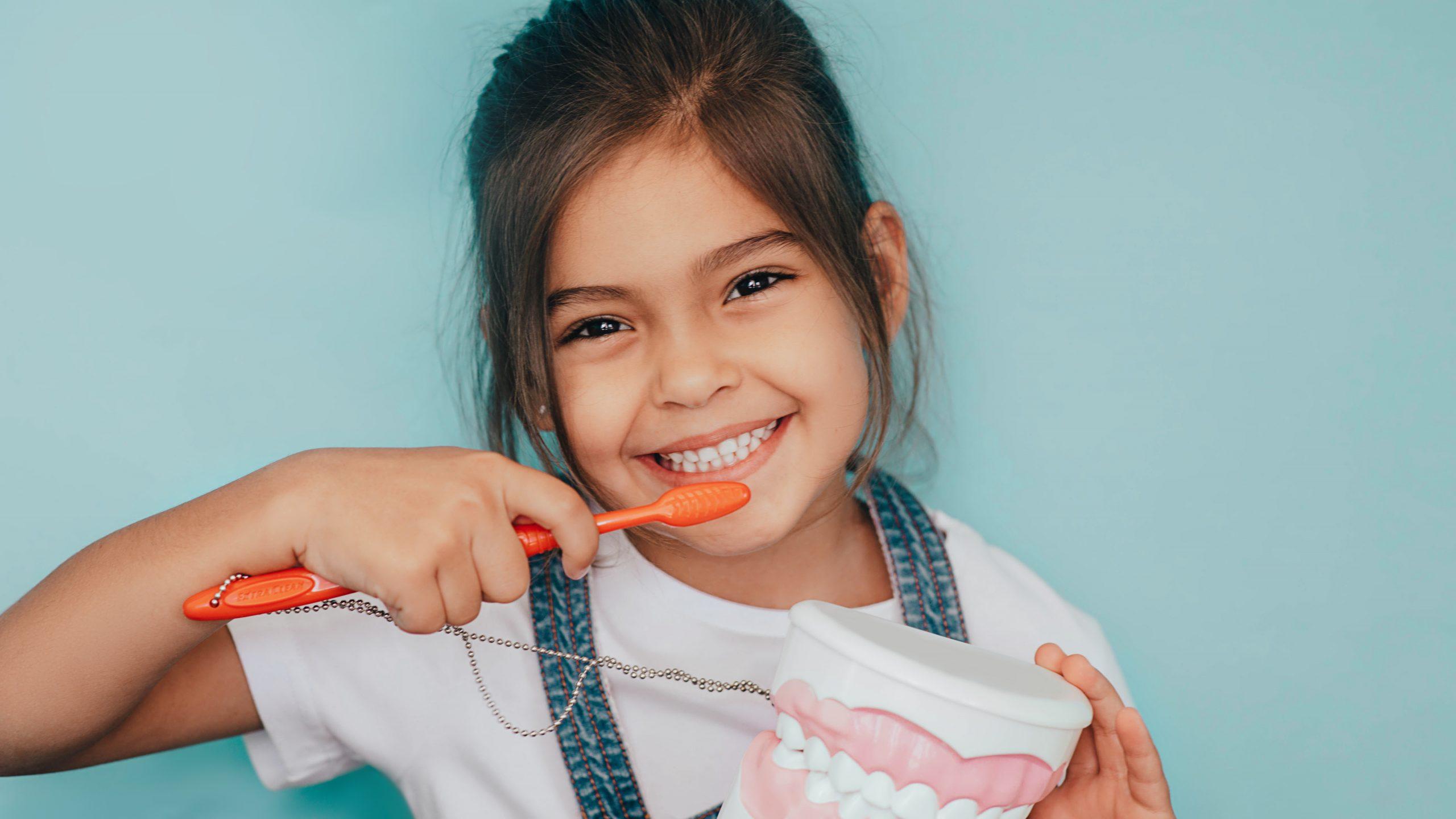 imagen de odontopediatria clinica dental linares