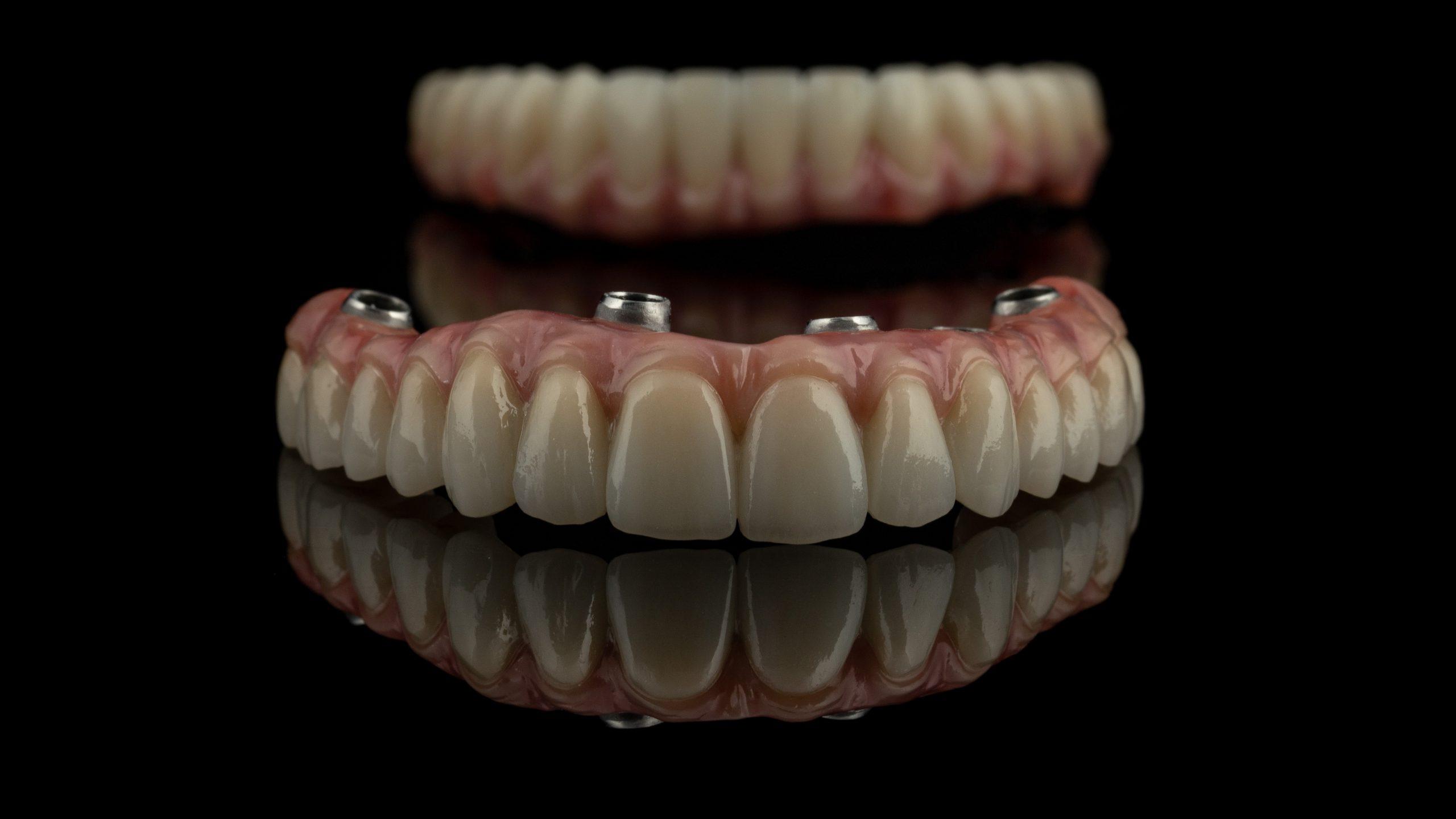 imagen de Protesis dentales en linares
